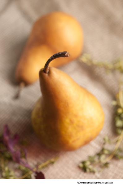 Pears in tandem : food : JOHN BORGE STUDIOS Fargo North Dakota Photography Advertising, Public Relations