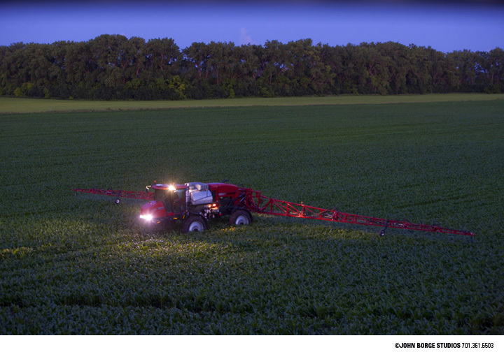 Working late in Minnesota : agriculture : JOHN BORGE STUDIOS Fargo North Dakota Photography Advertising, Public Relations